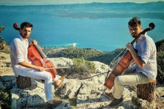 2CELLOS objavili spot za skladbu  'Chariots of Fire'