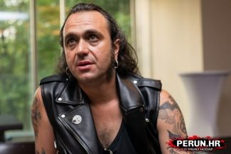 FERNANDO RIBEIRO (Moonspell) -  I like football more than chocolate